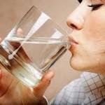 Yemekle Birlikte Çok Su İçmek Zararlıdır